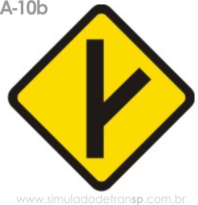 Placa de advertência A-10b: Entroncamento Olbliquo a direita