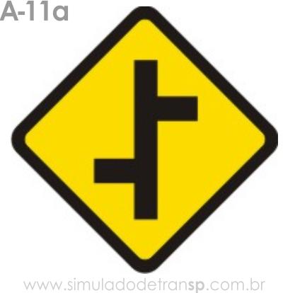 Placa de advertência A-11a: Junções sucessivas contrárias primeira à esquerda
