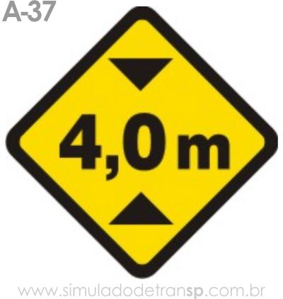 Placa de advertência A-37: Altura limitada