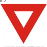 Placa de Regulamentação R-2 Dê a preferência - manual brasileiro de sinalização - Simulado Detran SP 2019 (1)